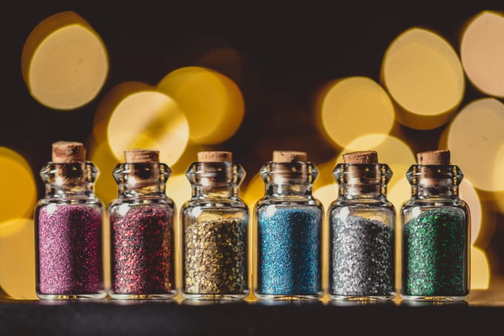 The Ultimate Guide to Makeup Glitter - Makeup Basics on beautybrainsblush.com