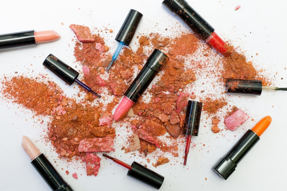 How to Disinfect Lipstick in 2 Minutes! Learn easy sanitization at beautybrainsblush.com