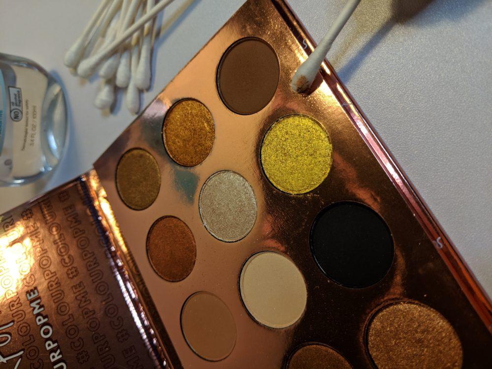 How to Sanitize Eyeshadow Palettes - beautybrainsblush.com