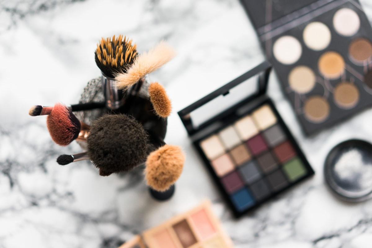 How to Sanitize Eyeshadow Palettes! Beautybrainsblush.com